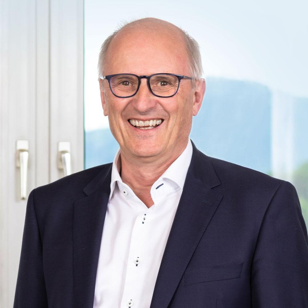 Dr. Hansjörg Reichert